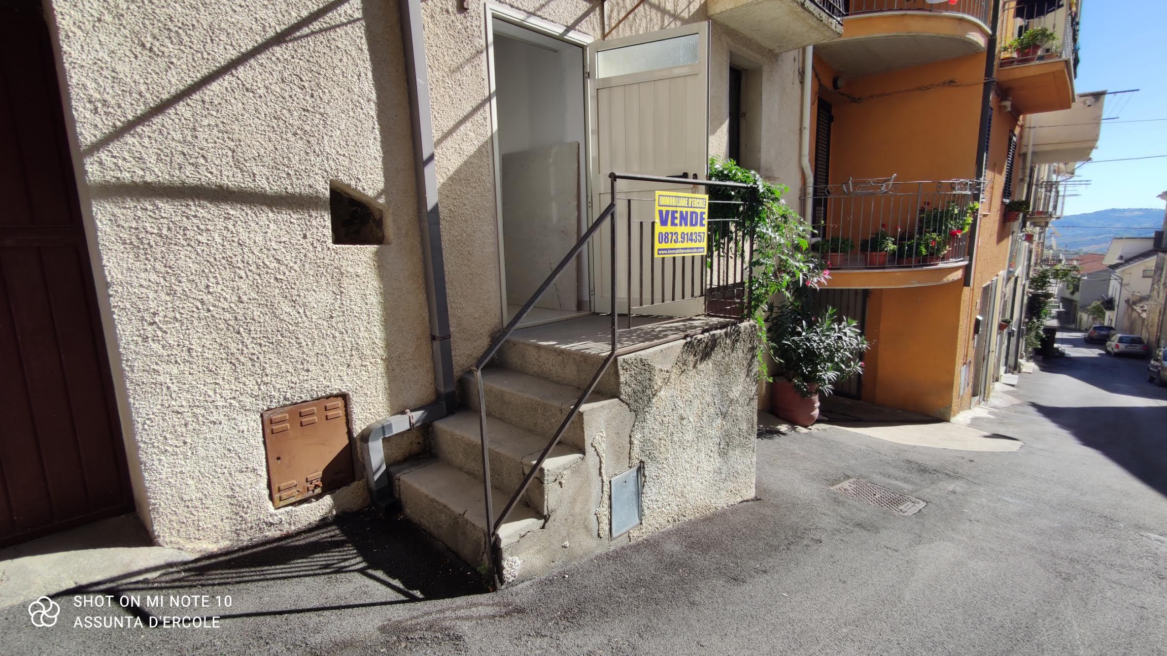 Rif 1299 – Casalanguida – Casa di Paese abitabile – € 18000
