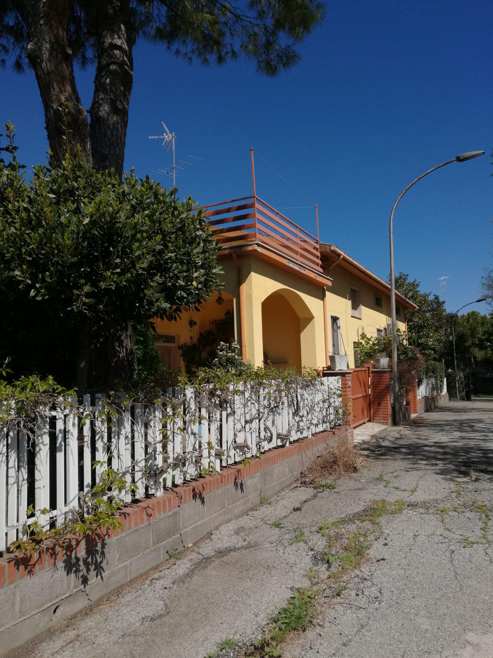 Rif 976 Casalbordino (CH) – Villa in paese in posizione riservata – € 220000